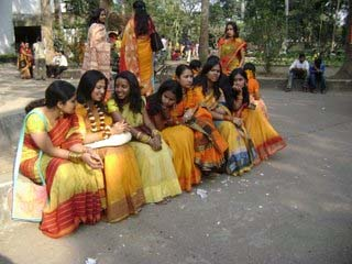 women-in-yellow-saris.jpg