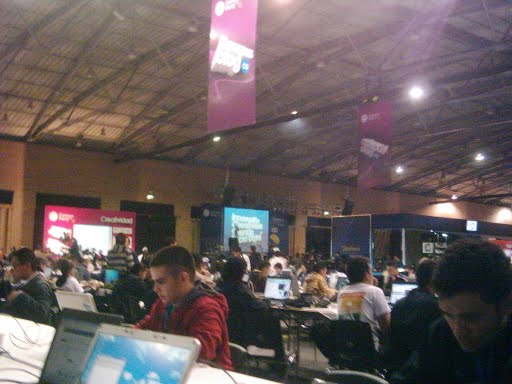 Fresno Bloggers at Campus Party. Image Courtesy Fresno blog http://www.karisma.org.co/blog_fresno2007/