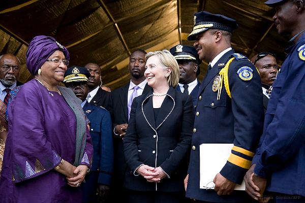 Foto de Ellen Sirleaf-Johnson y Hillary Clinton, por Glenna Gordon