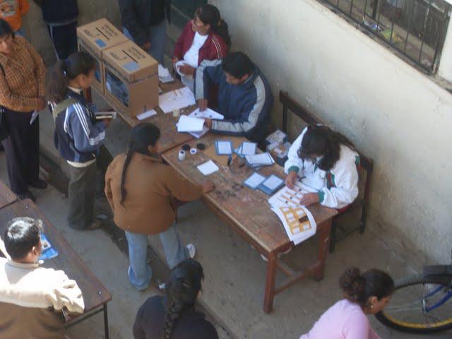 Voting in El Alto. Image Courtesy Alberto Medrano