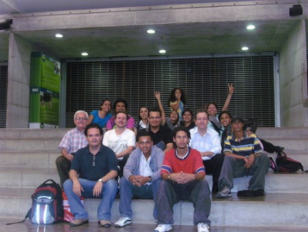 Hiperbarrio group photo. Image via Convergentes Flickr Account