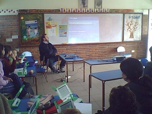 Bloggging workshop in School 93, Maldonado. Image courtesy Gabriela Correa