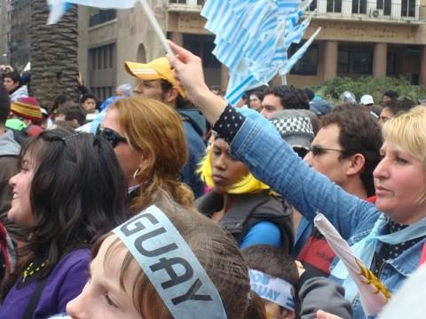 Uruguyan fans [640x480]