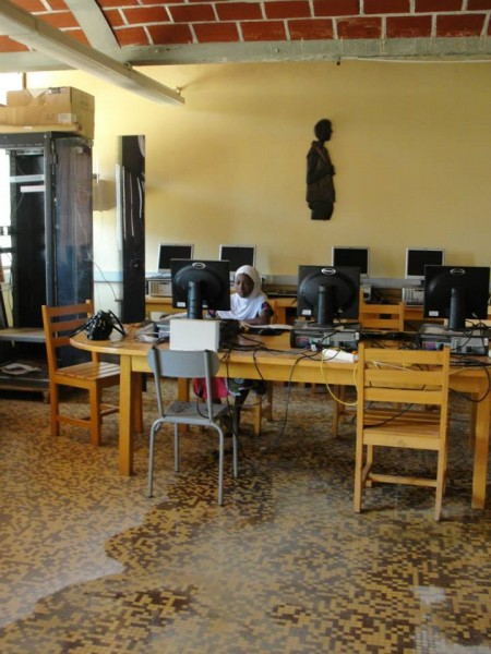Editing data during a small classroom flood in Niamey...