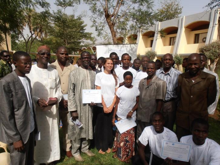 Photo de famille avec les Enseignants et Chercheurs de la Faculté