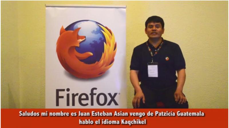 Juan Sian hablando sobre su trabajo con Firefox en kaqchikel