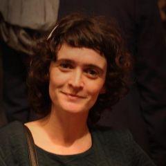 A small portrait of Laila Le Guen